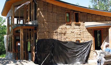 Case Di Legno E Mattoni : Una casa in paglia dalle nuove ricerche sui materiali sostenibili