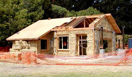 costruirsi una casa di paglia