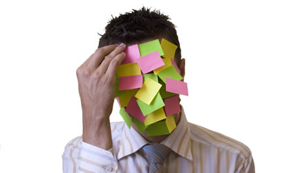 lavoro sostenibile_ambiente_di_lavoro sostenibile_ufficio_sostenibile_sviluppo_sostenibile_carta_riciclata_riciclare_carta