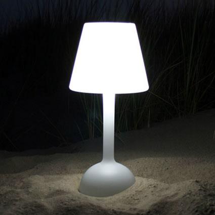 Tecnologia verde bloom day light una lampada da tavolo - Lampe design exterieur ...