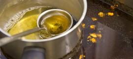 Riciclatori incentivanti per smaltire gli oli esausti da cucina