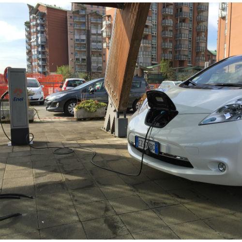 Smart Recharging Island: la ricarica dell'auto elettrica diventa intelligente