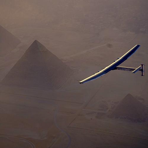 Solar Impulse 2: il primo Aereo a Propulsione Solare atterra al Cairo